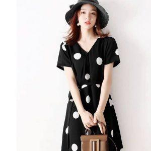 Đầm bi buột eo