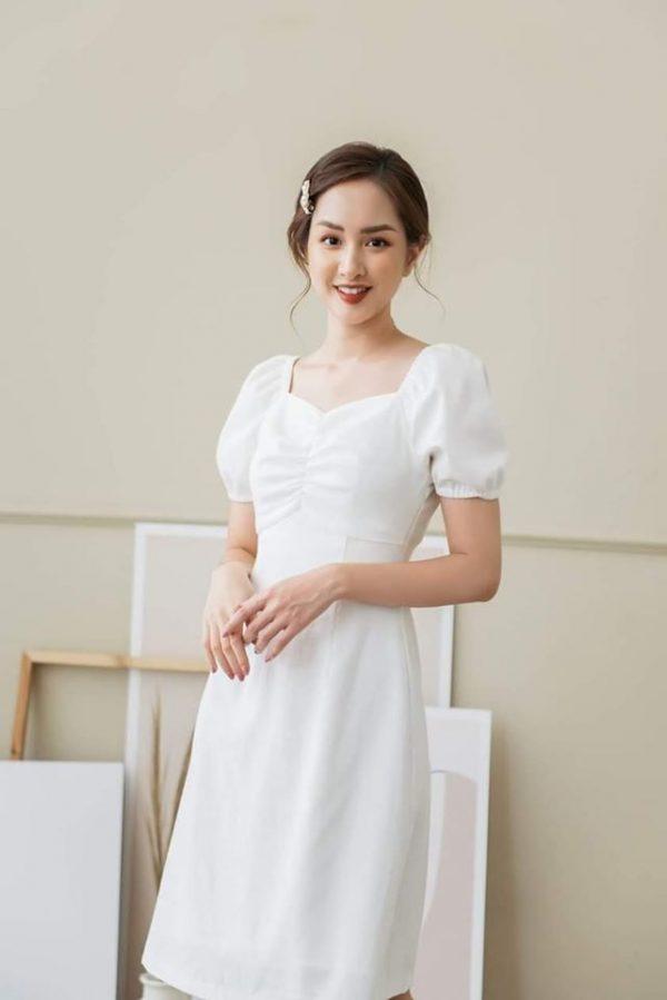 Đầm trắng chip ngực mẫu mới 1