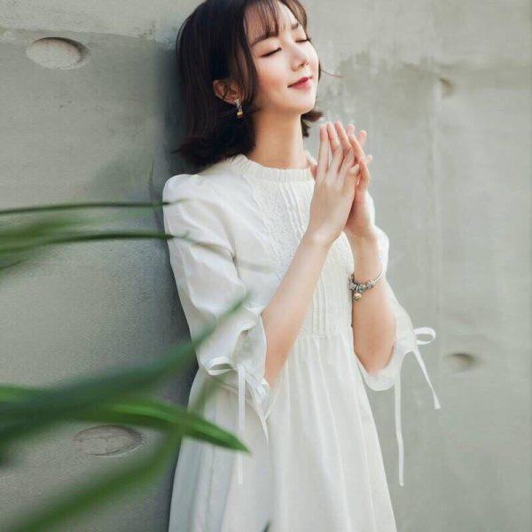 Đầm baby doll trắng phối ren 1