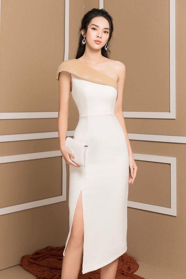 Váy đầm lệch vai thêu chữ xẻ tà 1