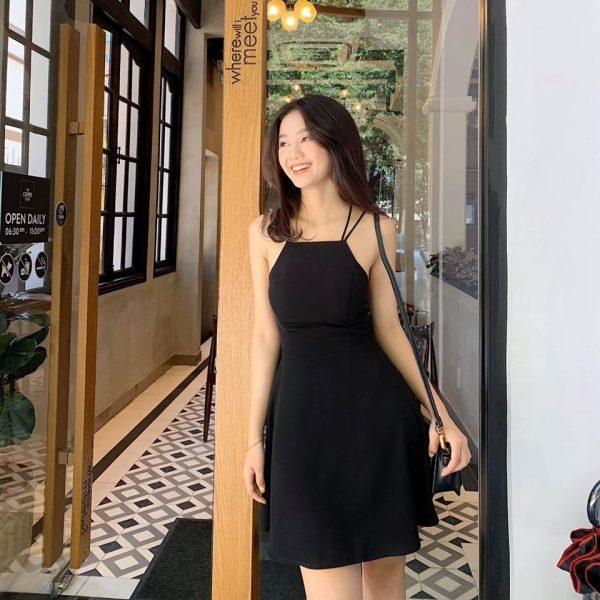 Đầm cổ yếm hở lưng 5